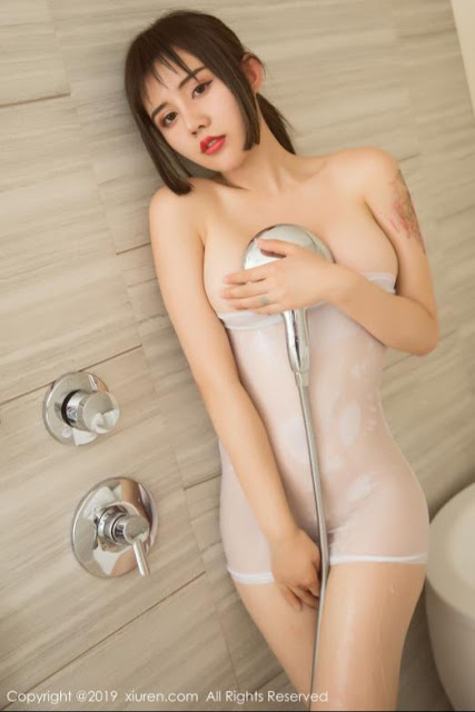 Hot and sexy wet photos of beautiful busty asian hottie chick Chinese booty model Yaqi Zhuo photo highlights on Pinays Finest Sexy Nude Photo Collection site.