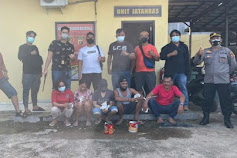 Gerebek Judi di Teluk Bayur, Polisi Amankan 7 Orang Pelaku dan Uang Tunai