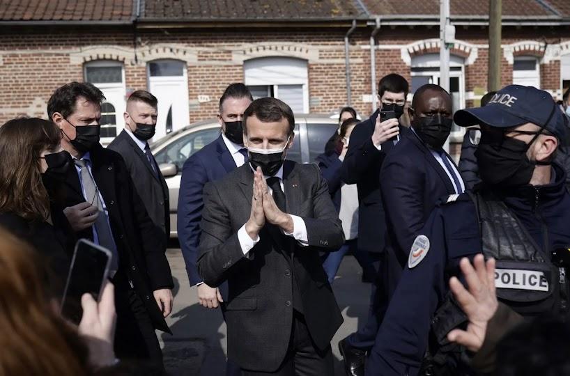 Η Γαλλία στηρίζει την Ελλάδα απέναντι στην Τουρκία του μικρού Σουλτάνου