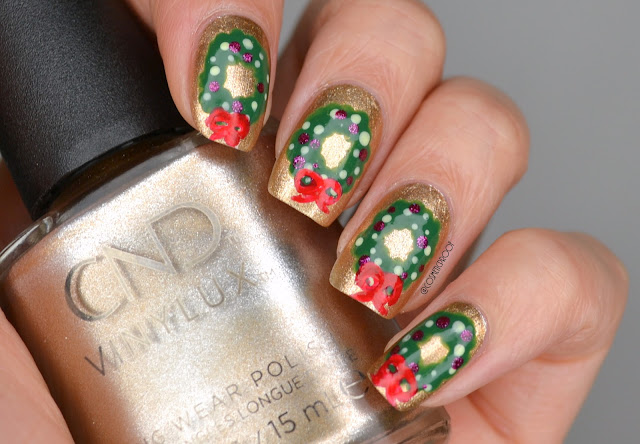Christmas Wreath Nail Art