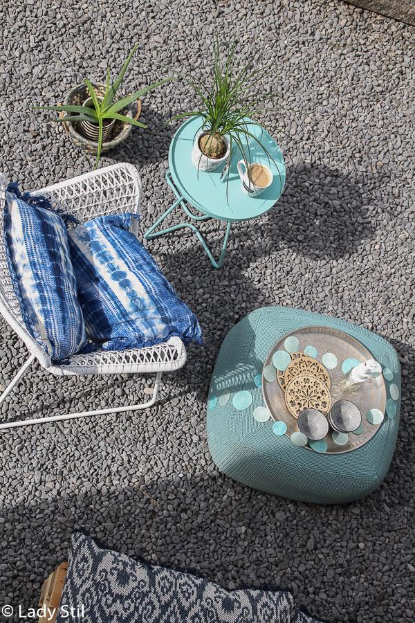 die Outdoor-Saison ist in vollem Gang und mit schönen und wetterresistenten Outdoormöbeln kann man diese Zeit doppelt genießen, Cane-Line Hocker Beistelltisch