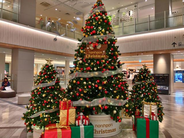 ミニオンも登場!ノースポートモールのクリスマスは50%オフセールに福袋も