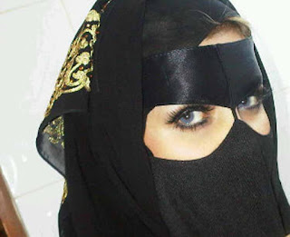 زواج مسيار مطلقة سعودية اربعينية موظفة ترغب فى الزواج المسيار فى KSA