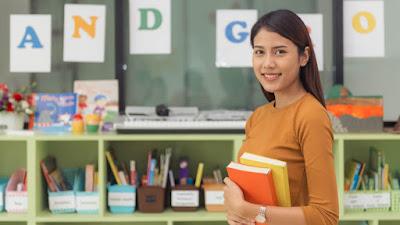 Buku Panduan Keamanan Digital Untuk Pengajar dari TikTok
