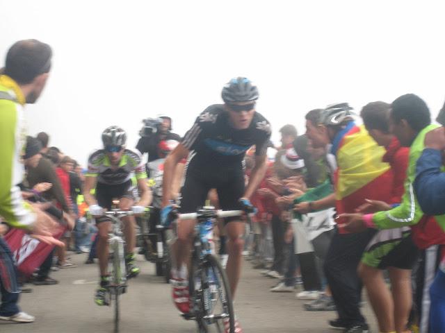 Rutas Montaña Asturias: Ciclistas en la Cueña Les Cabres en la Vuelta a España