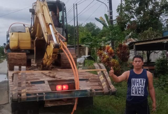 Babhinsa Koramil 06 Samalantan Kodim 1202 Singkawang Membantu Masyarakat Membuat Jalan Dan Gorong Gorong untuk Warga Yang Masih Terisolir