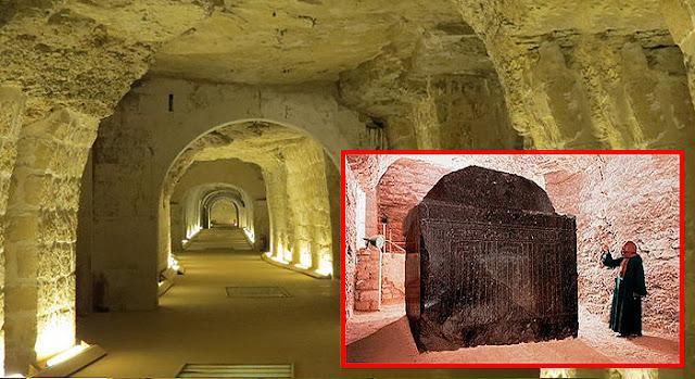Los 24 Sarcofagos Negros de Saqqara.
