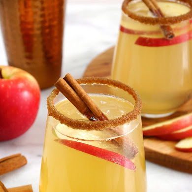 Apple and Cinnamon Punch Cocktail