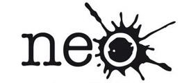 """El logotipo de NEO es el texto """"neo"""" escrito en letras minúsculas exceptuando la última letra, la """"o"""", que es una salpicadura de pintura."""