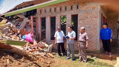 Baznas Pessel Survei Rumah Korban Bencana Longsor Kampung Air Tambang