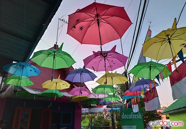 Warna - Warni Payung