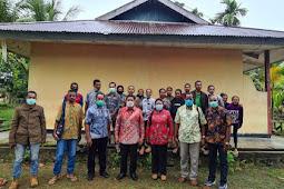 Tony Tesar Kunjungi dan Beri Bantuan ke Asrama Mahasiswa Yapen di Manokwari