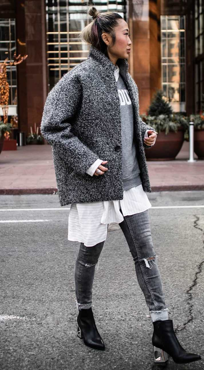 street style perfection / long-shirt + sweater + boots + skinny jeans + jacket