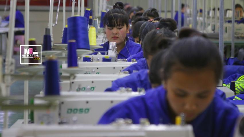 Cina: il lavoro forzato e il genocidio demografico degli Uiguri