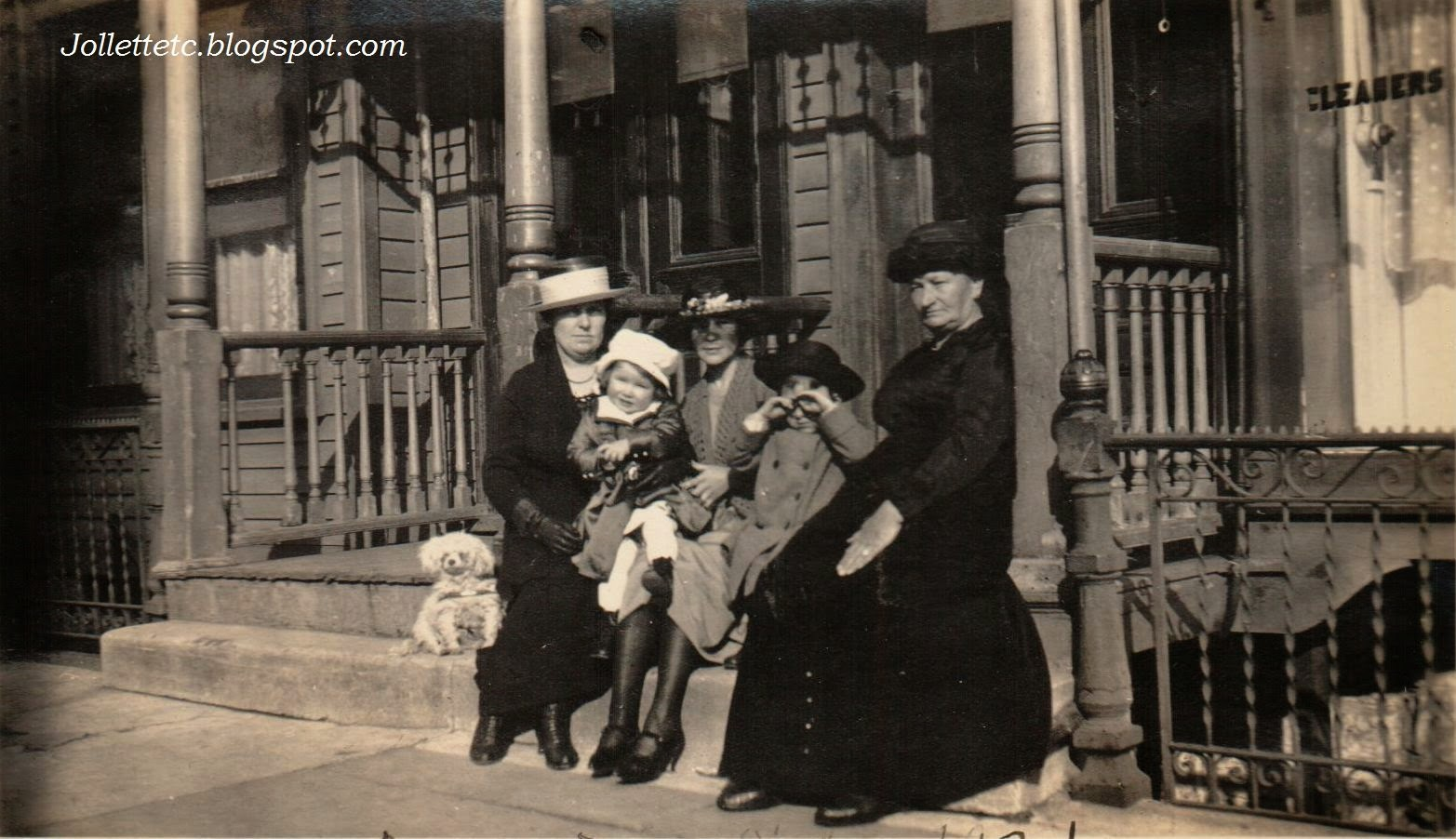 Family of John Jr. and Bob, in the Bronx 1921