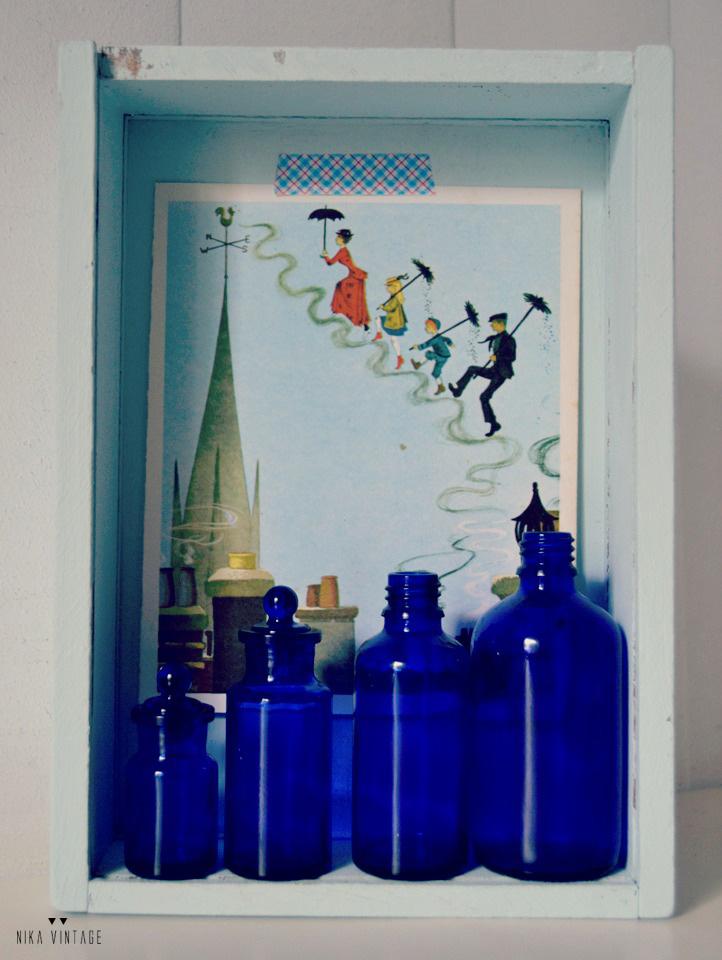 Un diy azul en el que una caja horrible se transforma en una estantería o en una caja de los secretos