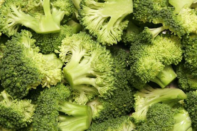 Makanan-makanan untuk Mencegah Kanker Payudara