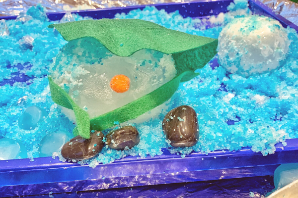 The Snowman melting ice tuff tray activity