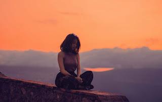 Suasana hati yang bimbang, kadang senang, kadang bisa sedih juga