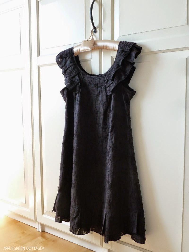 http://applegreencottage.blogspot.com/2014/06/how-to-alter-your-dress-to-fit.html