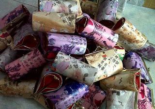 souvenir dompet batik, souvenir dompet hp, souvenir dompet murah,  souvenir pernikahan dompet coin,souvenir pernikahan dompet hp,souvenir pernikahan dompet murah.