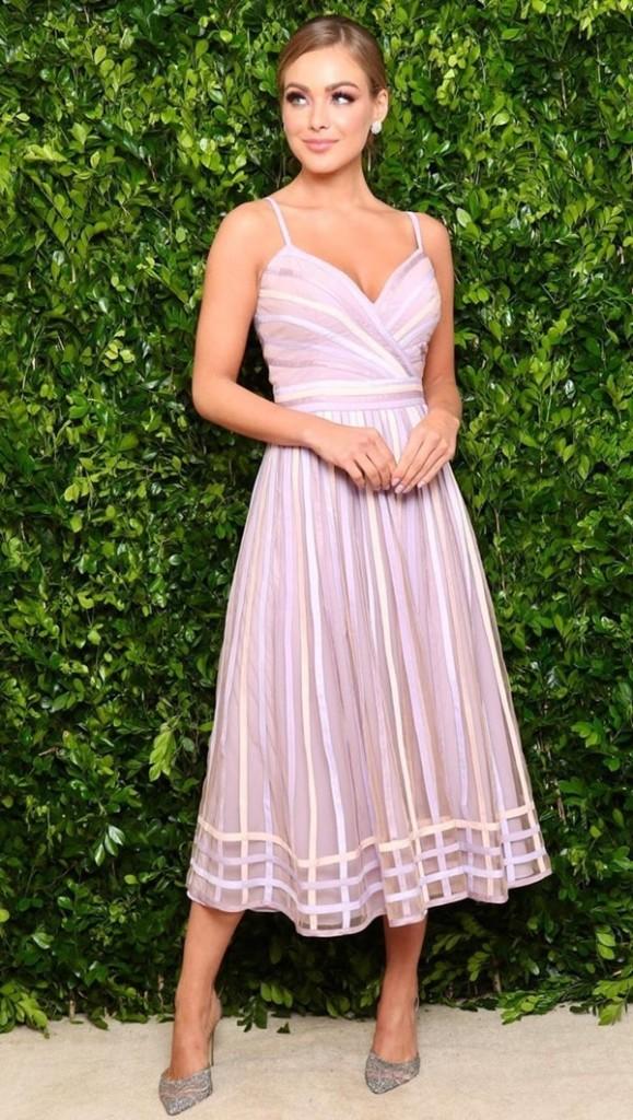 vestido midi lilas para madrinha de casamento