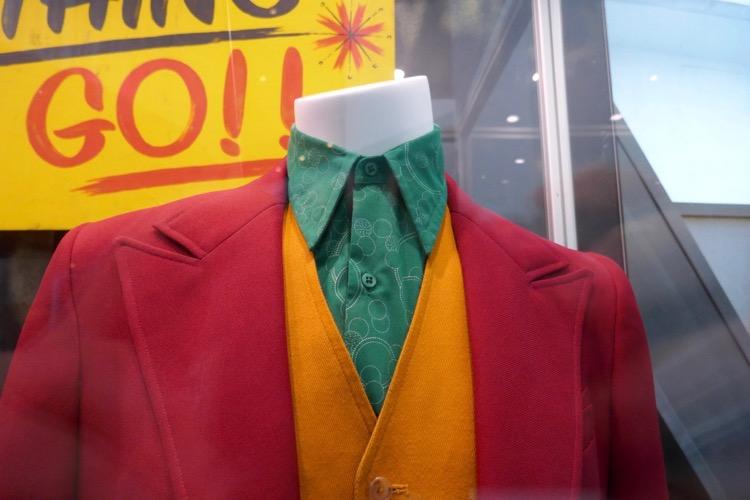 Joaquin Phoenix Joker costume shirt detail