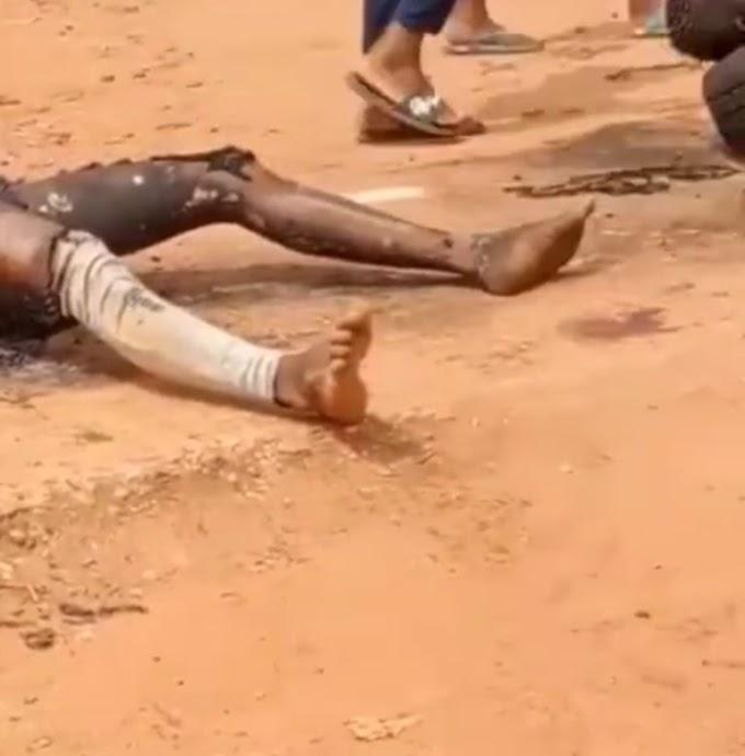 Breaking: Bakassi Boys Vigilante Group Returns, Kills Six In Anambra State (Video)