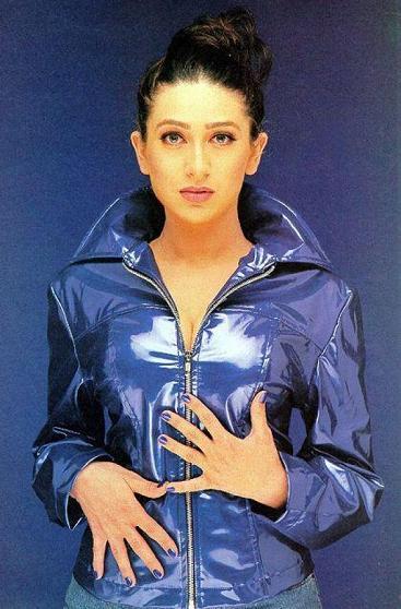 Bollywood Masala World Hot Karishma Kapoor Photos, Pics -3393
