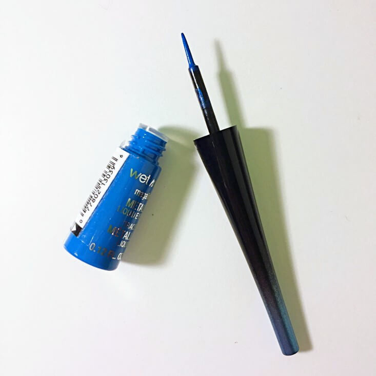 wet n wild Fantasy Makers megaliner Metallic Liquid Eyeliner Blue Moon