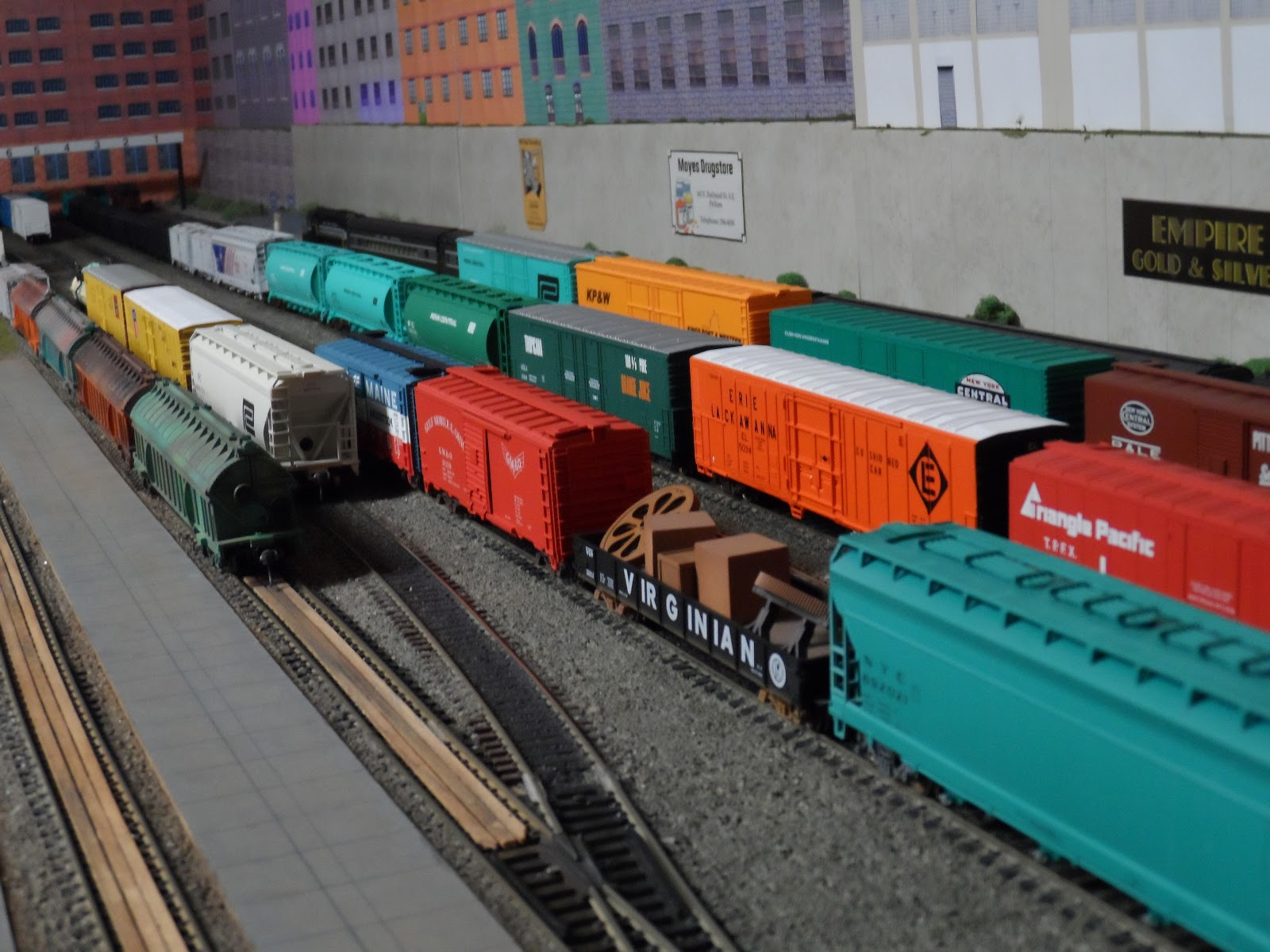 New York Central Train Layout: P C C M  61 / NYCTL Part 3