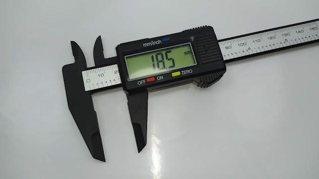 أداة قياس أطوال الكترونية بشاشة إل-سي-دي Electronic Carbon Fiber Vernier Caliper Ruler