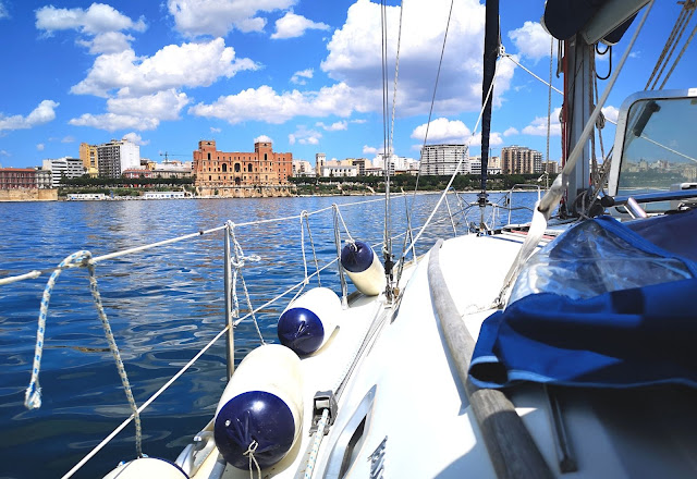 Profilo di Taranto vista dal mare