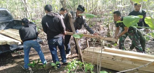 Kodim Sumbawa Bersama KPH Batu Lanteh Amankan BB di Hutan Jati Semamung