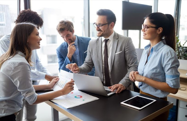 tips effectively manage employees company management strategies