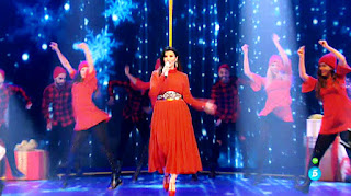 Laura Pausini cantan Santa Claus Llego a la Ciudad la voz final