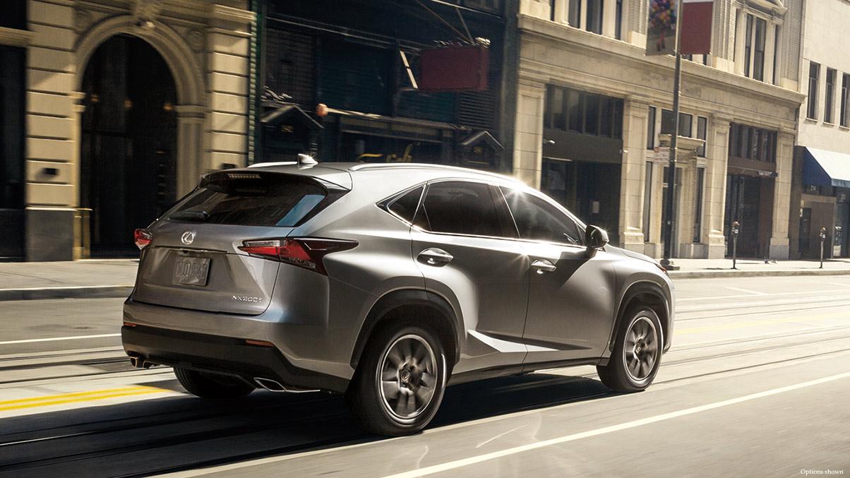 Lexus NX200t 2016 là một chiếc crossover cỡ nhỏ cực kỳ lý tưởng cho đô thị