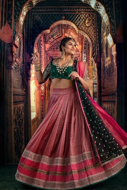 Tamil Actress Indhuja Latest Photos in Half Saree with Jewellery Actress Trend