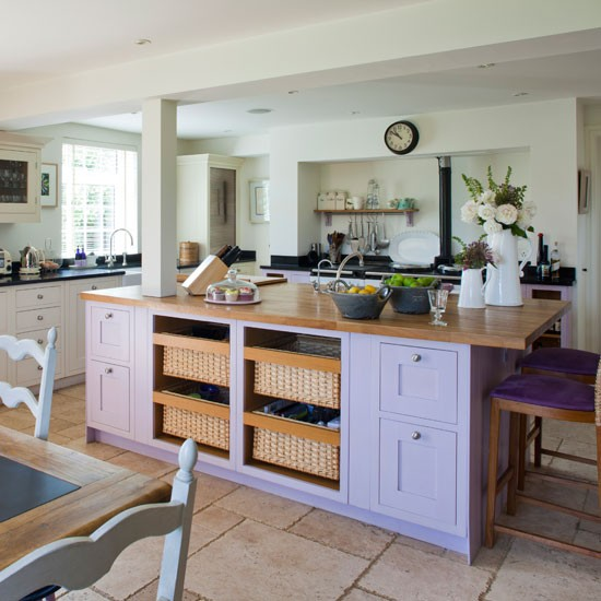 Country Kitchen Cabinets: Homes And Dreams: Creating Modern Country Kitchens