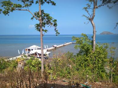 Wisata Mombhul Beach Bawean, Sangat Disayangkan Karena Kurang Perhatian
