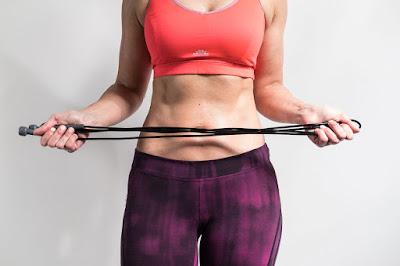 fit, fitness, timmi, nainen, vatsa, lihas, vatsalihakset, hyppynaru, vartalo