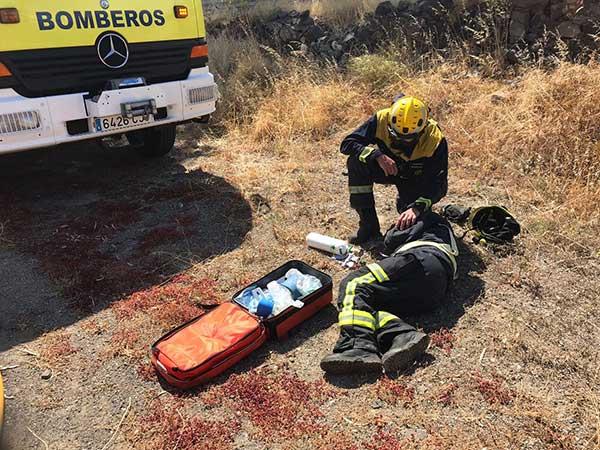Un bombero herido en la extinción de incendio en La Herradura de Telde