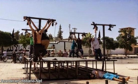 Cristianos crucificados por su fe en Siria