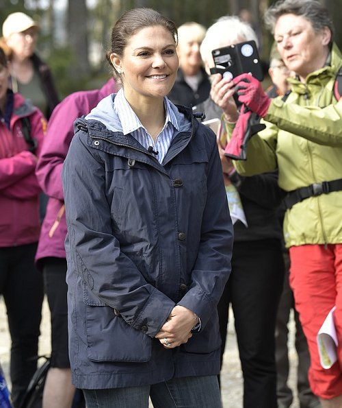 The Crown Princess's hiking in Vastmanland, Halleskogsbrannan Nature Reserve. Adidas terrex hiking shoes