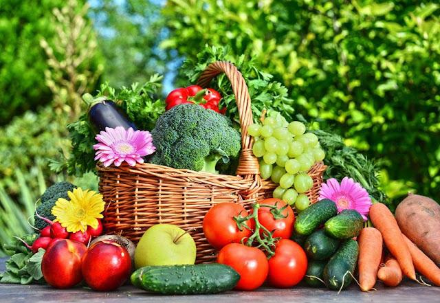 Vegetais e fruta coloridas