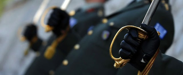 Τροποποίηση διατάξεων και κατάργηση ηλικιακών ορίων αποστρατείας αξιωματικών-Ερώτηση στη ΒτΕ