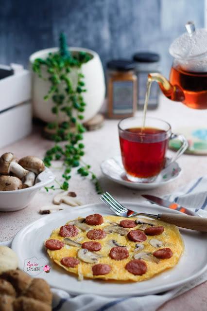 sosisli mantarlı omlet