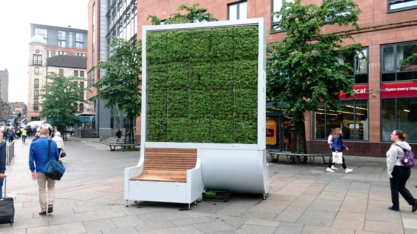 Londres, instalan árboles artificiales en la ciudad para reducir la contaminación