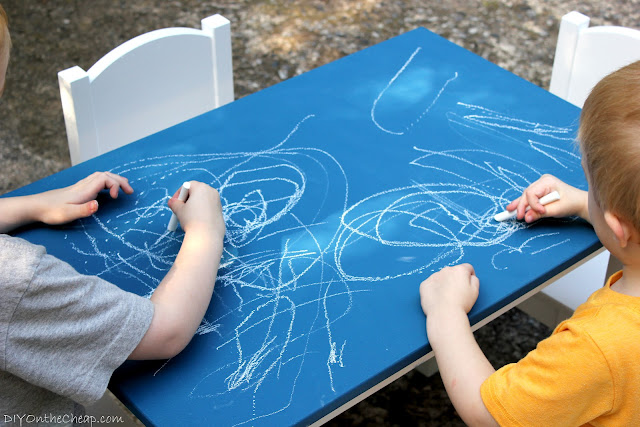Kid's Colored Chalkboard Table {Benjamin Moore's NEW colored chalkboard paint: Champion Cobalt}
