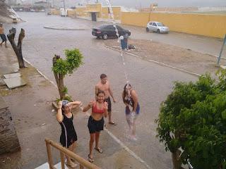 Excelente chuva foi registrada em Picuí nesta sexta (17). Choveu forte em Frei Martinho